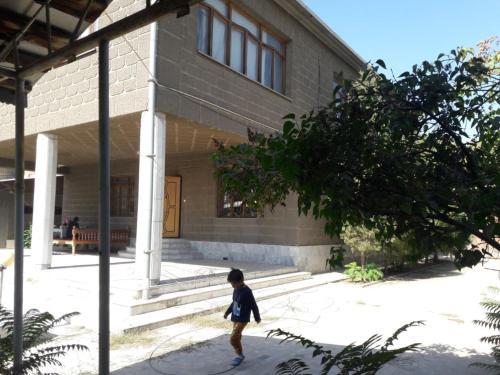 Большои шикарныи дом с бассеином, Qibray