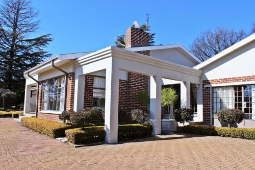 Frankfort Guesthouse, Fezile Dabi