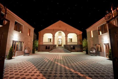 Royal Palace Hotel,