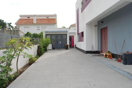 Aroeira Beach House, Almada