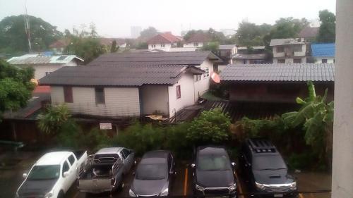 บ้านสวนรัชธานี, Bang Khen