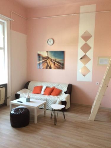 Baross-hat apartmanhaz, Szolnok