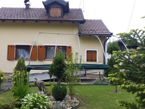 Kuca za odmor Pihir, Lekenik