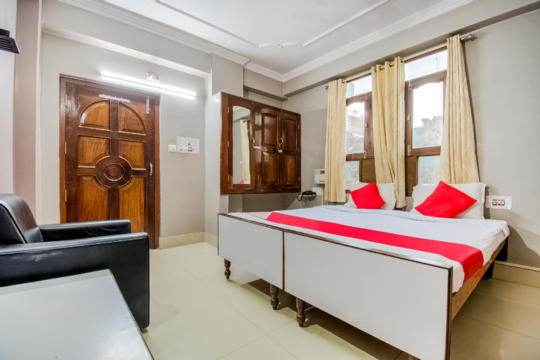 OYO 49812 Indralok Hotel, Saran