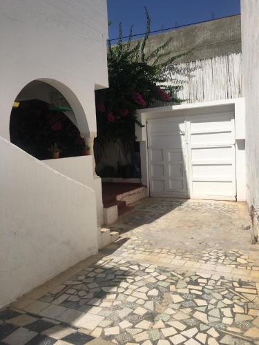 Maison S+2 climatise+ parking securise, a Yassmine Hammamet, Hammamet