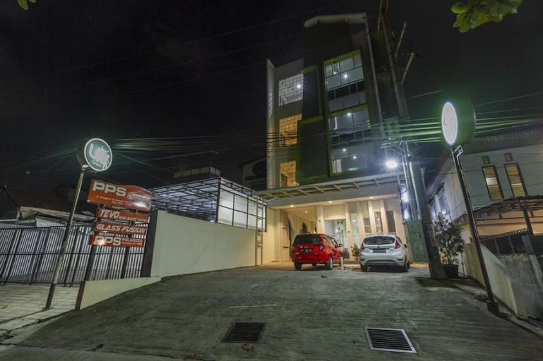 RedDoorz near Samarinda Central Plaza, Samarinda