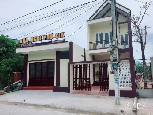 Nha nghi Phu Gia, Đông Hà
