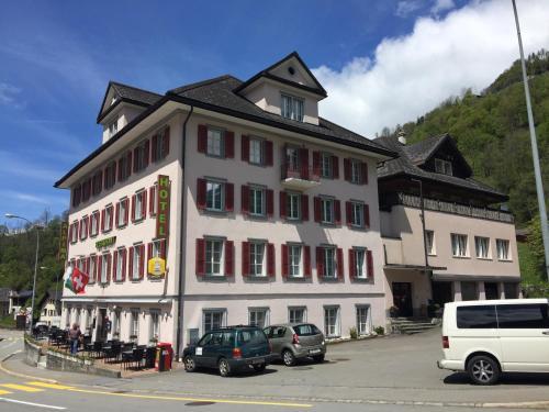 Hotel Alpina, Uri