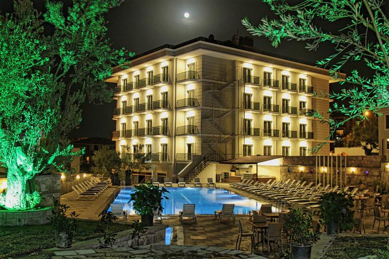 Elisa Otel, Ayvalık