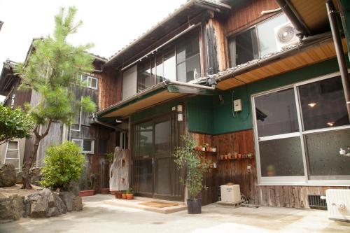 Guest House tokonoma, Kamijima