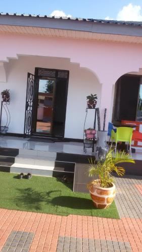 Chox Executive Lodge, Morogoro Urban