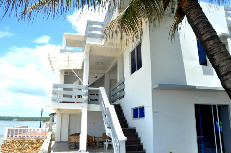 Casa Almarenzo Bed & Breakfast, Bolinao