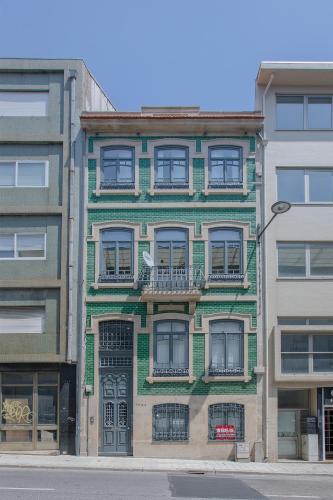 Liiiving in Porto - Santa Catarina Twin Apartments, Porto