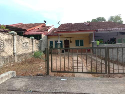AMNA Homestay (Muslim Only), Pekan