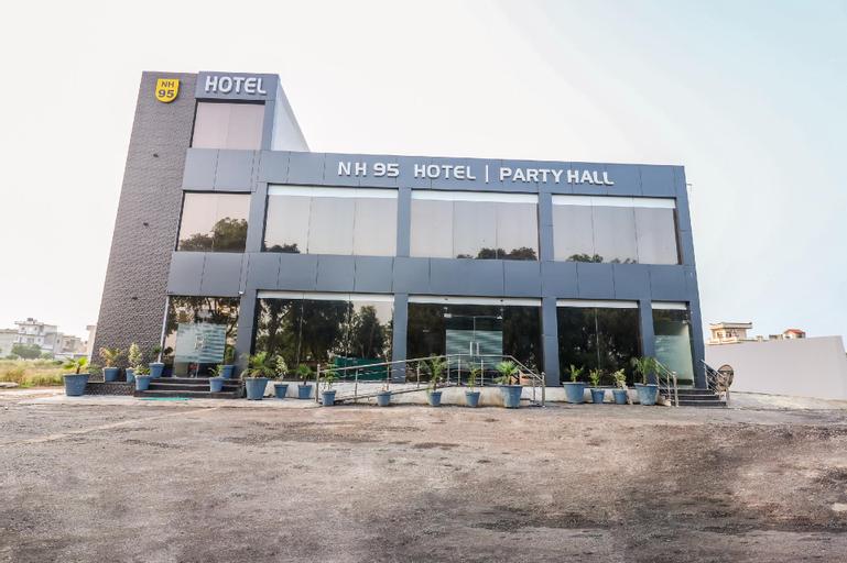 OYO 46675 Hotel Nh 95, Rupnagar