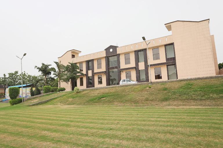 OYO 44195 Horizon Farm, Aligarh