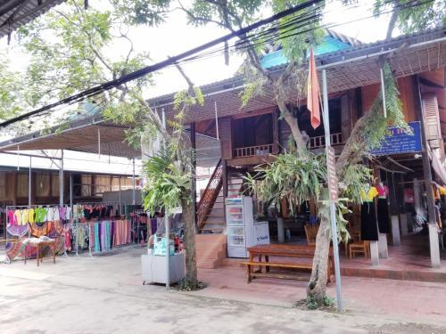 Nha San Mang Hue, Mai Châu