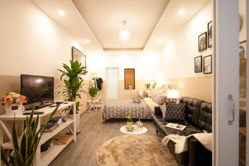 JULIE Private Entire Home - 350m to Lenin Park, Ba Đình