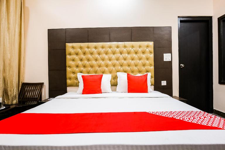 OYO 47711 Hotel Park Regency, Rupnagar
