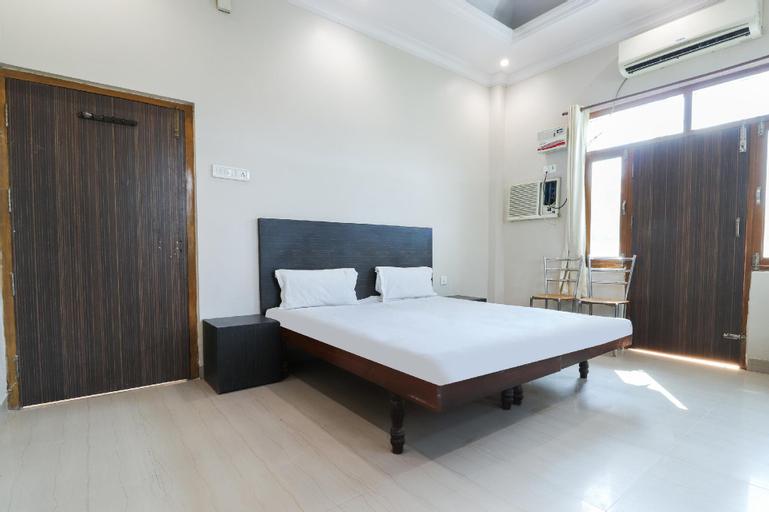 SPOT ON 47774 Hotel Adarsh, Sant Kabir Nagar