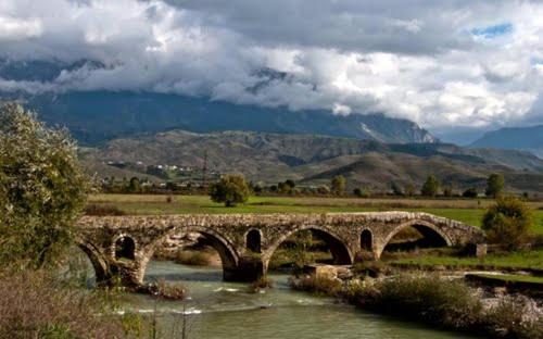 Feris Guesthouse, Gjirokastrës