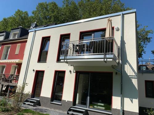 Sonnige Apartments mit Terrasse, Essen