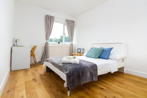 High Standard Double Room near Greenwich & 15 min from Central London Zone2, London