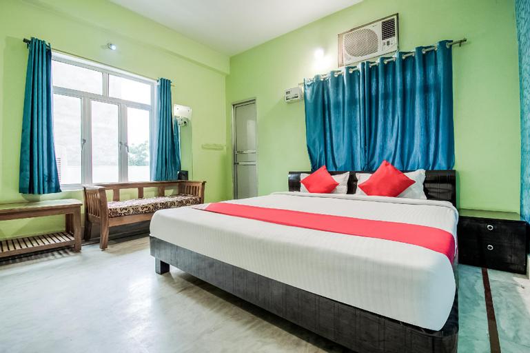 OYO 49453 Hotel City Palace, Saran