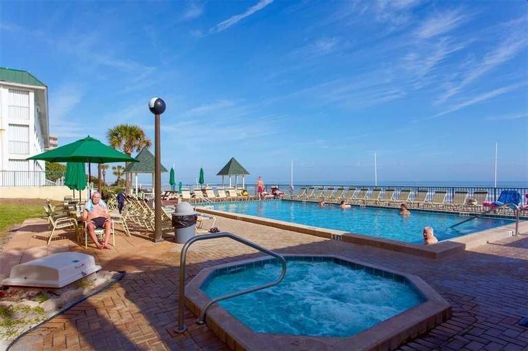 Sunglow Resort 305 - One Bedroom Condo, Volusia
