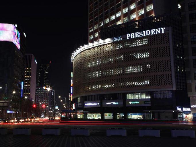 President Hotel, Jung