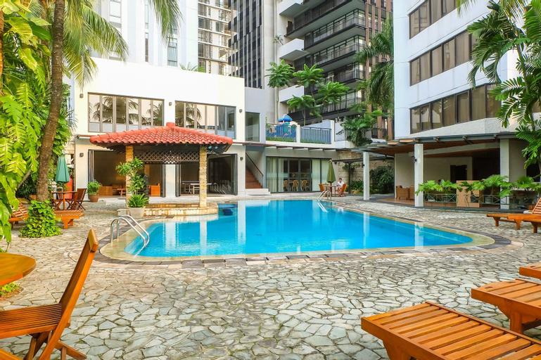 3 Bedrooms Luxury Senopati SCBD Apartment by Travelio, South Jakarta