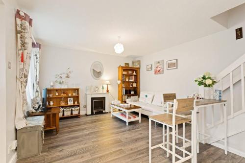Beautiful Modern 2 Bedroom Home, London