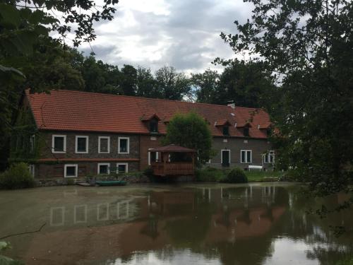 Historicky mlyn u dvou certu, Stribrna Skalice, Kolín