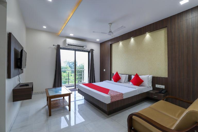 OYO 49438 Hotel King Resort, Dadra and Nagar Haveli