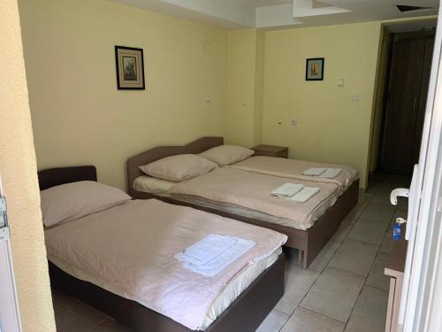 Perla Rooms,