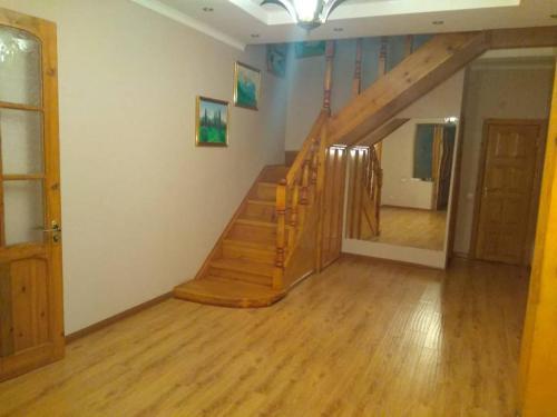 Alik Guest House, Shughnon