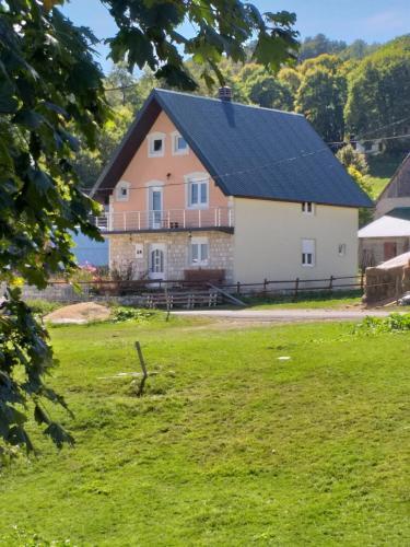 Family house Kasalica,