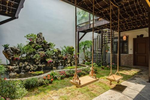 Floral Brook Boutique Inn, Baoshan