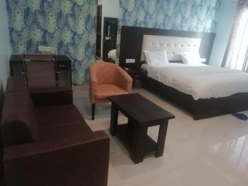 Hotel Bhavya Palace, Basti