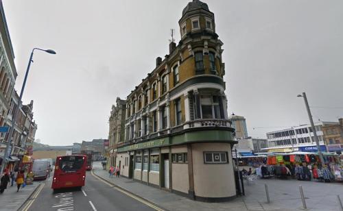The Old GunPit, London