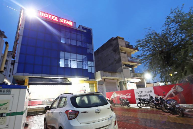 OYO 6137 Hotel Star, Alwar
