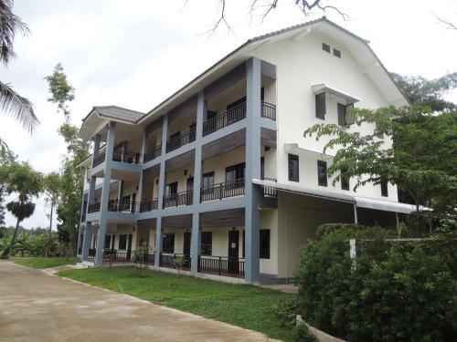 bamboo castle apartment, Sisattanak