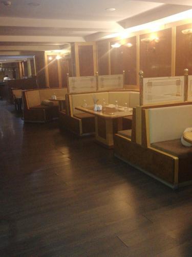 Cınar Otel, Merkez