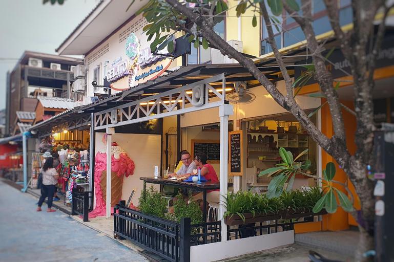 Island Cafe and Hostel, Muang Satun