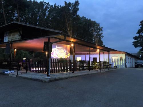 Penzion Club Demon, Benešov