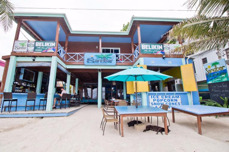 Sandbar Beachfront Hostel & Restaurant,