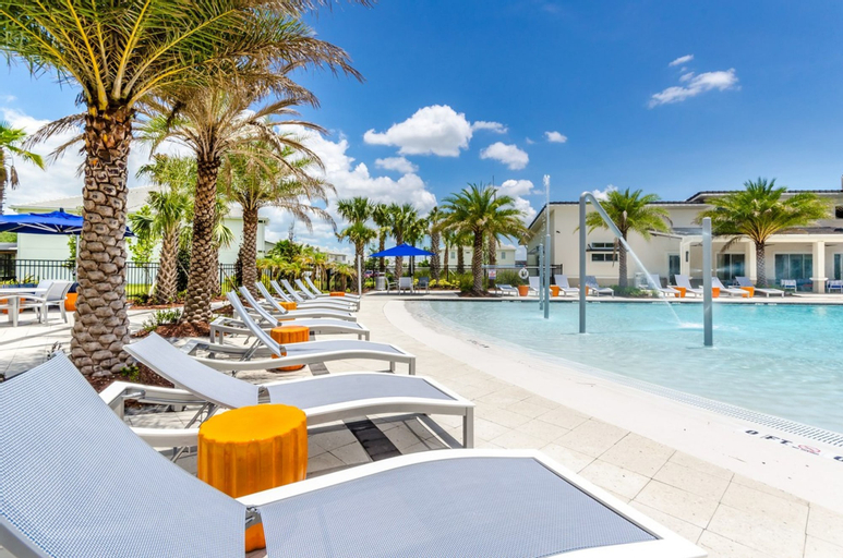Sonoma Resort - 2617 Calistoga Avenue, Osceola