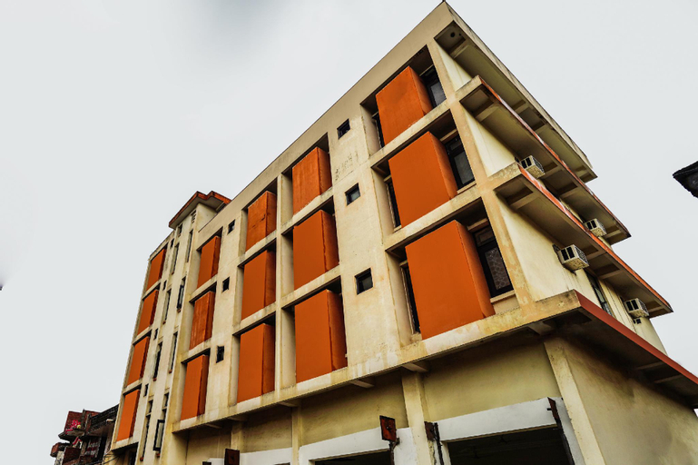SPOT ON 49667 Hotel Gangotri, Ghazipur