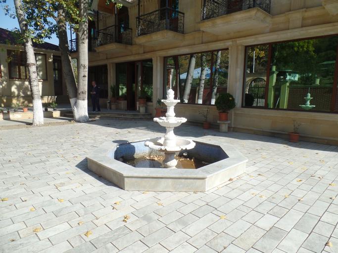 Lotos Goygol, Xanlar