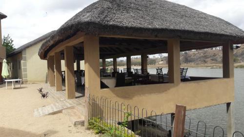 Pamadzi Beach Resort, TA Nankumba